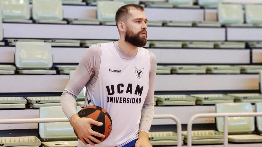 Cinco jugadores del UCAM entrenan en su día libre