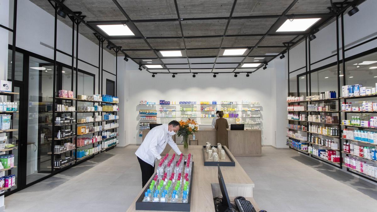 La farmacia Ume ha sido el primer negocio que abre en el PAI de Malilla.