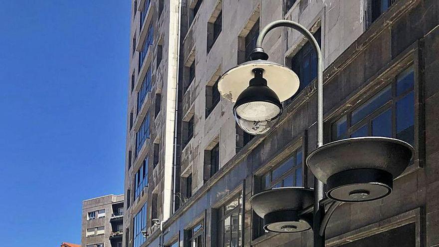 Nuevas luces de bajo consumo en el eje Pelayo-Palacio Valdés