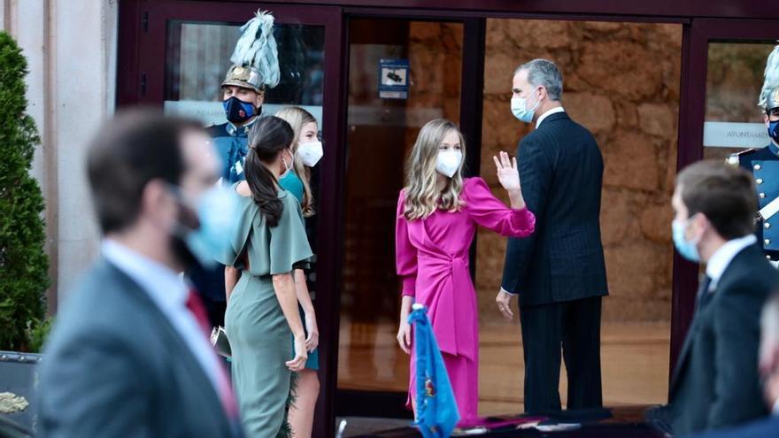 """Los Reyes y sus hijas presiden el tradicional concierto de los Premios """"Princesa"""" en el Auditorio de Oviedo"""
