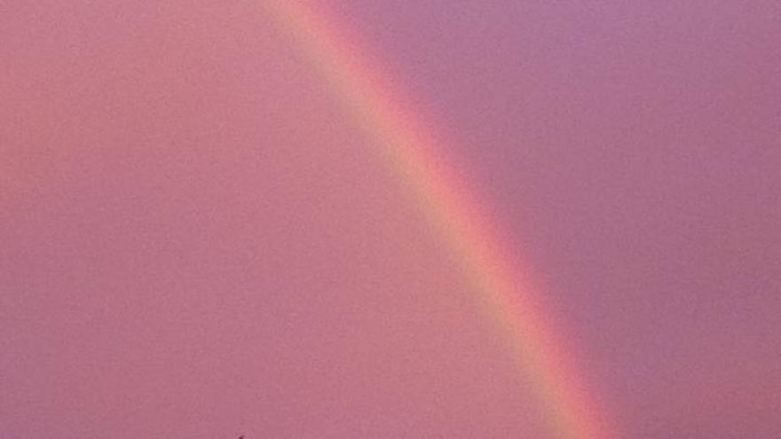 Valencia amanece con un 'súper' arcoiris doble