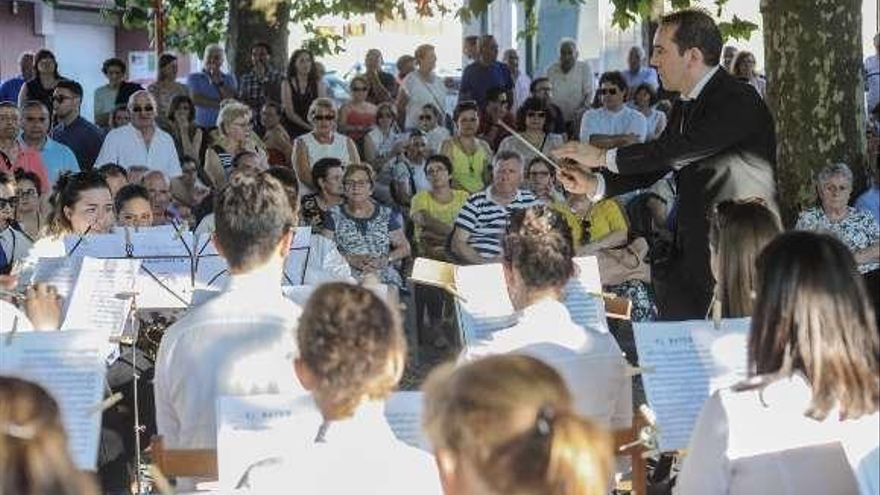Las bandas de música fueron protagonistas en las fiestas de San Antonio de Padua