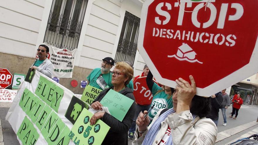 La lista de espera para una vivienda social ya alcanza las 14.000 familias valencianas
