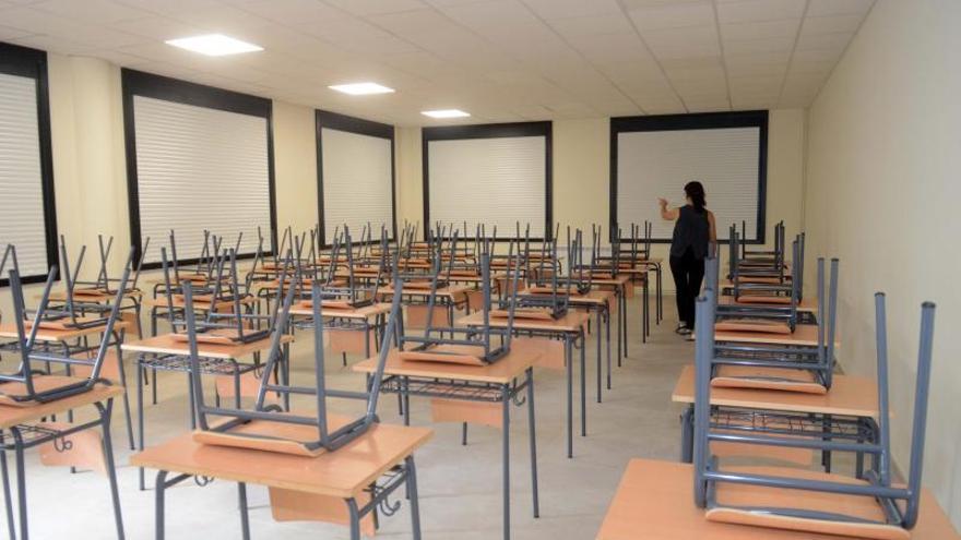 El curso arranca en los institutos con presentaciones al aire libre y nuevas aulas construidas en verano
