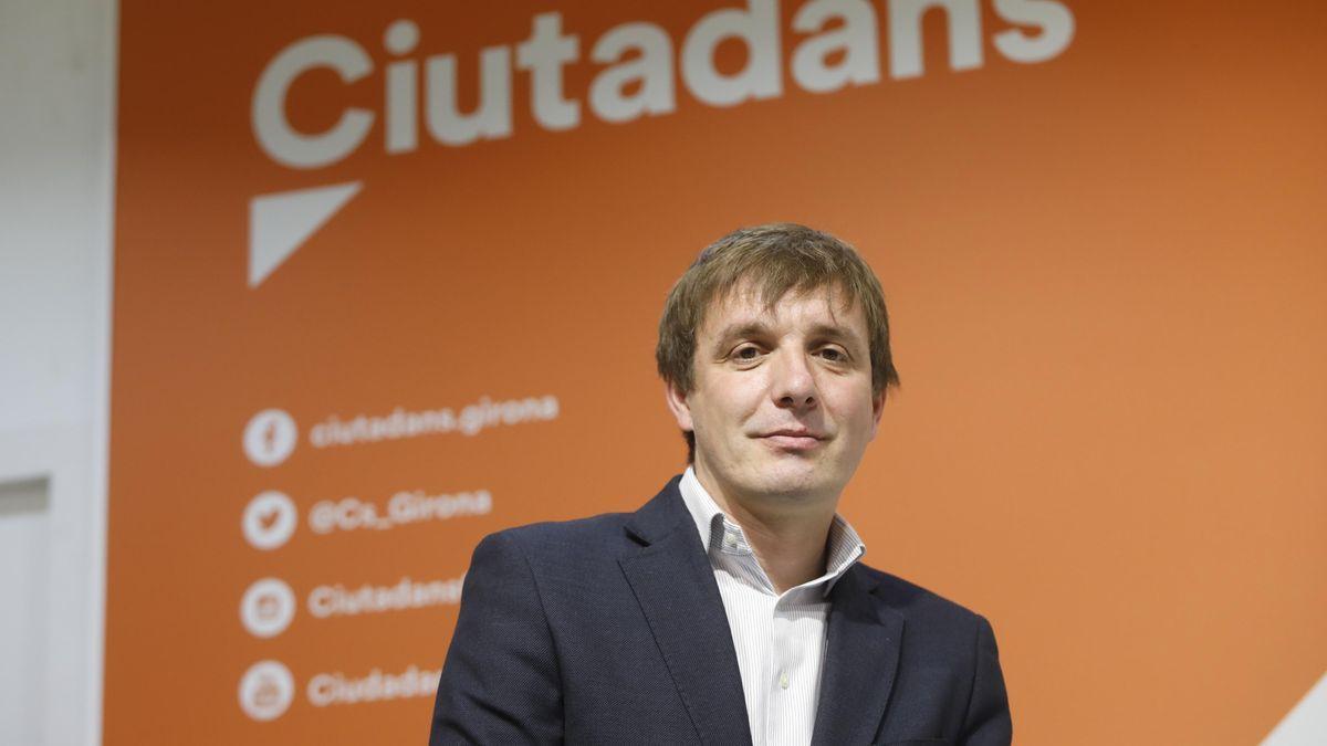 Héctor Amelló, a la seu de Ciutadans a Girona.