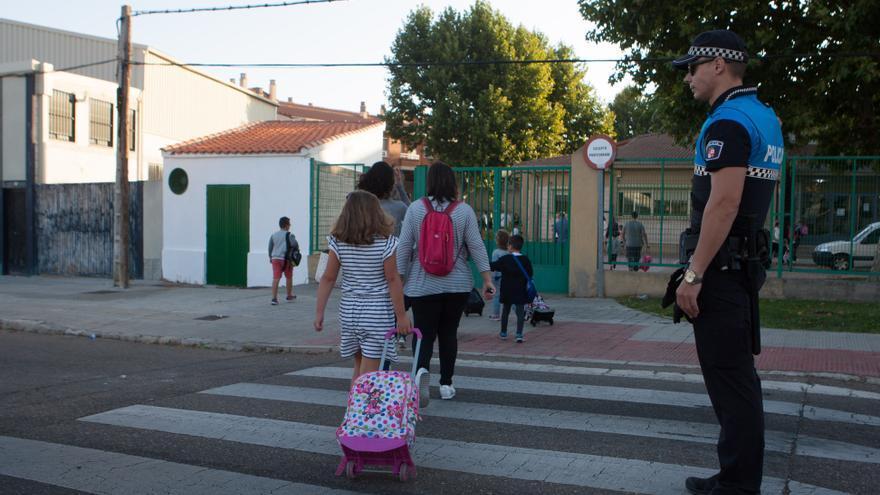 Denuncian que la elección de centro educativo en Zamora se debe hacer de forma presencial