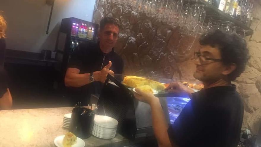 Miguel Indurain disfruta de la gastronomía zamorana