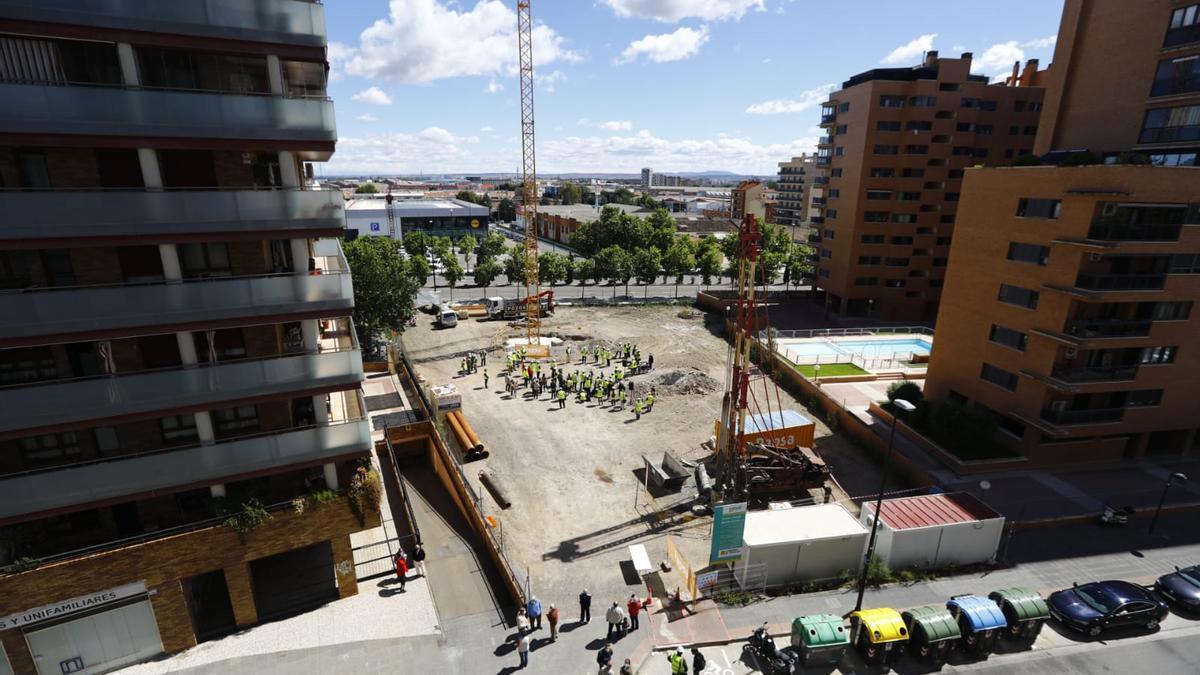 Solar entre las calles Marques de la Cadena y Mas de las Matas en el que se levantará el nuevo centro de salud.