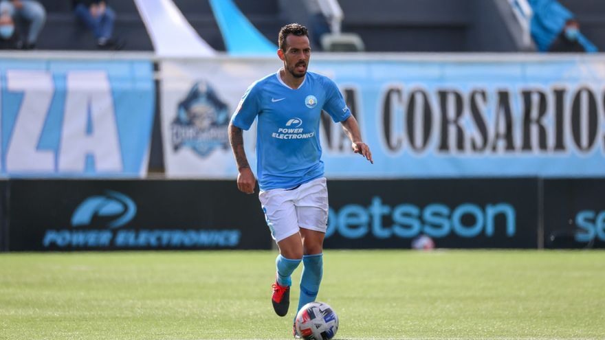 Solidaridad con Manu Molina, jugador de la UD Ibiza al que se le ha detectado un cáncer