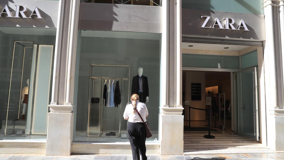 Tienda de Zara de Cartagena cerrada en diciembre.