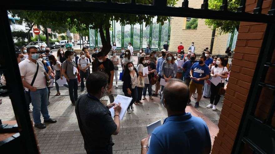Más de 5.000 opositores aspiran a una plaza de profesor de Secundaria en Córdoba