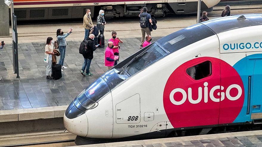 El tren privado de viajeros se atasca en el corredor Vigo-Oporto