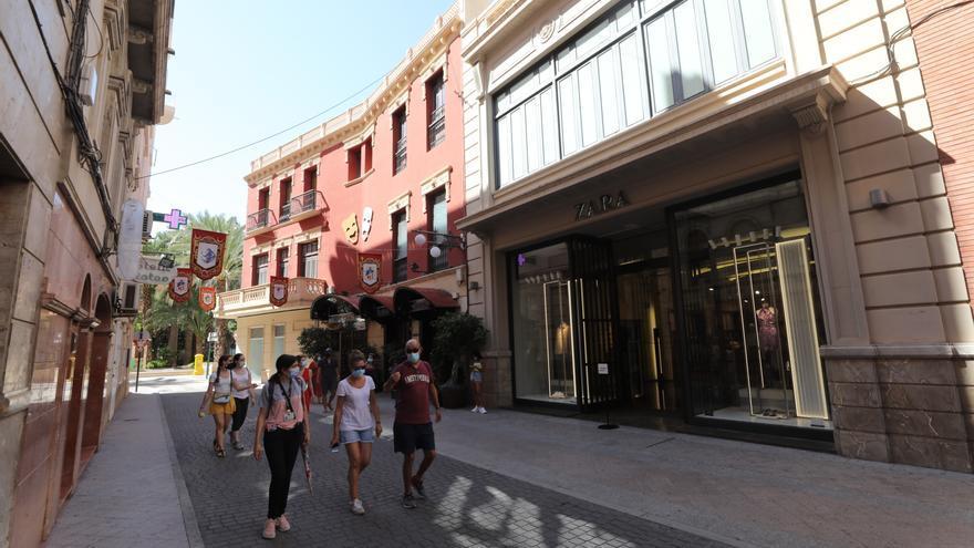 El CEU estudia incorporar el edificio de Zara en el centro de Elche