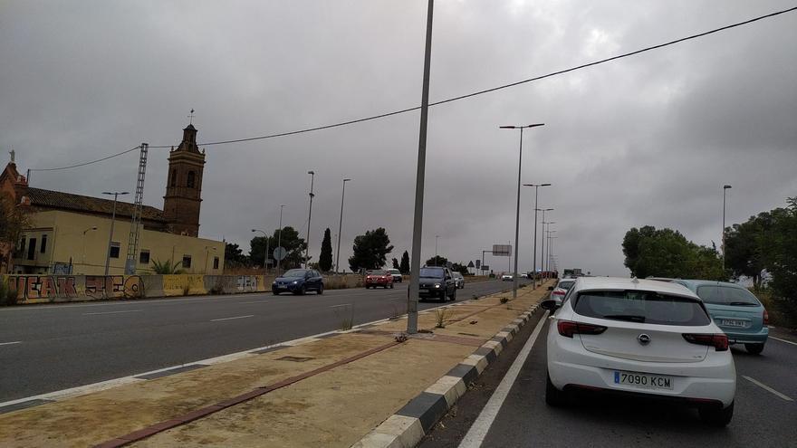 Un fuerte accidente en el Camí Nou de Picanya produce kilométricas retenciones