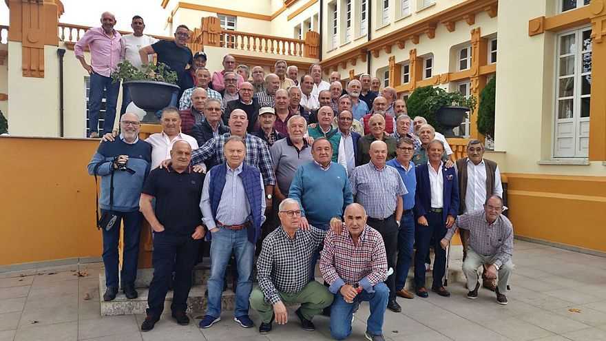 Encuentro de exjugadores y directivos del Unión Popular de Langreo