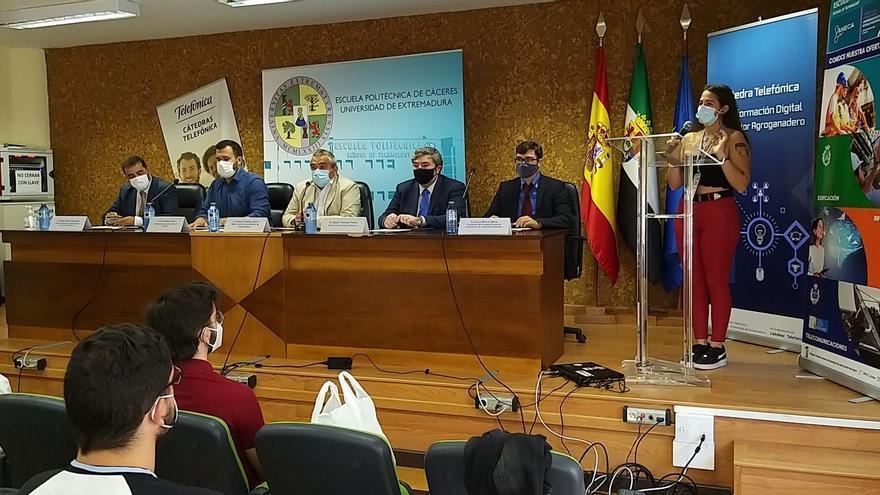 Estudiantes de Telecomunicaciones de toda España se dan cita en un congreso en Cáceres