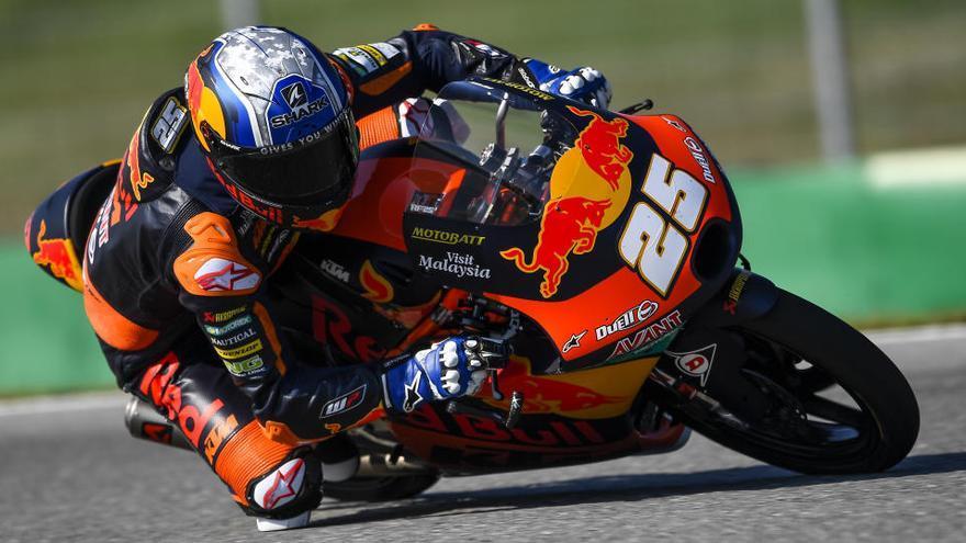 Raúl Fernández protagoniza su primera 'pole position' en Moto3 en Brno