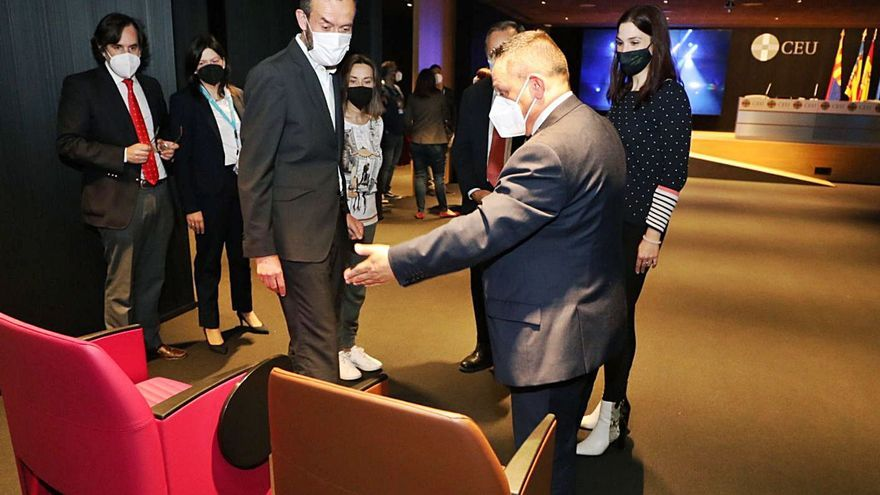 El alcalde aplaude que el CEU compre el edificio de Zara y revitalice el centro