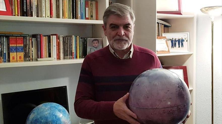"""Jesús Martínez Frías: """"El aplauso a los sanitarios del coronavirus llegará a Marte"""""""