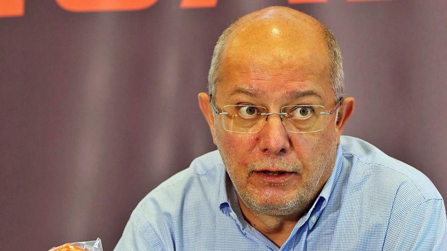 """Igea anuncia que quiere convertir a Castilla y León en una """"tierra de acogida"""""""