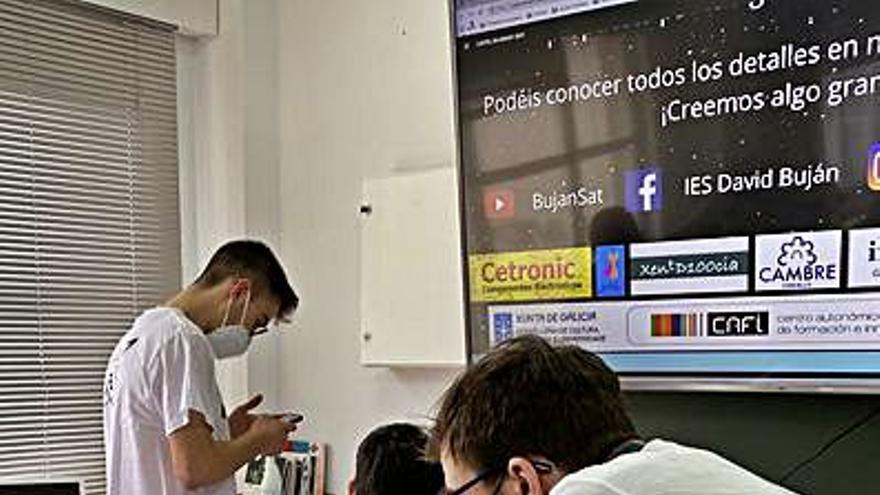 El David Buján gana el concurso español de satélites Cansat, de la Agencia Espacial Europea
