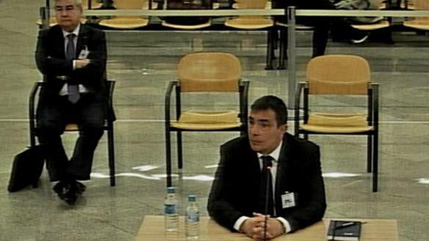 L'exdirector dels Mossos nega que el Govern els ordenés desobeir l'1-O