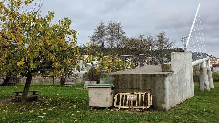 El Concello tramita retirar la torre eléctrica que impide abrir la pasarela de O Seixedo