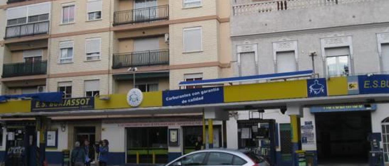 El TSJ falla que la gasolinera de Burjassot salga de la ciudad al extinguirse la concesión