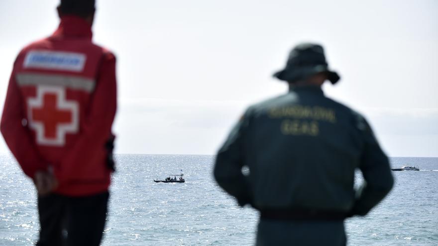 Dos niños, entre los once muertos al naufragar la patera en Mazarrón