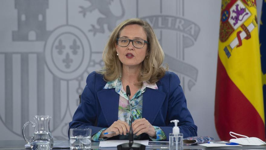Calviño defiende la recuperación de empleo en España, cercana al 80% de los niveles prepandemia
