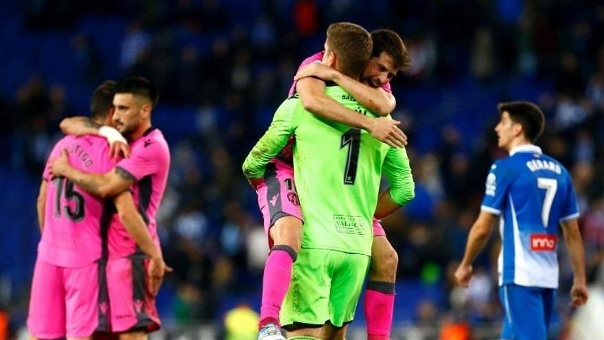 El Leganés toma ventaja ante el Villarreal y el Levante remonta al Espanyol