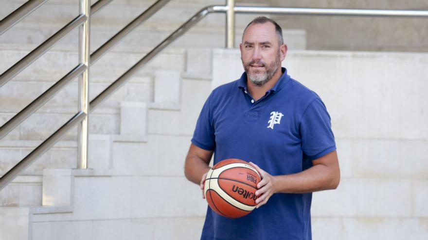"""Héctor Galán, directo general del Oviedo Baloncesto: """"Los jugadores están demostrando que tienen el nivel para estar en esta Liga"""""""