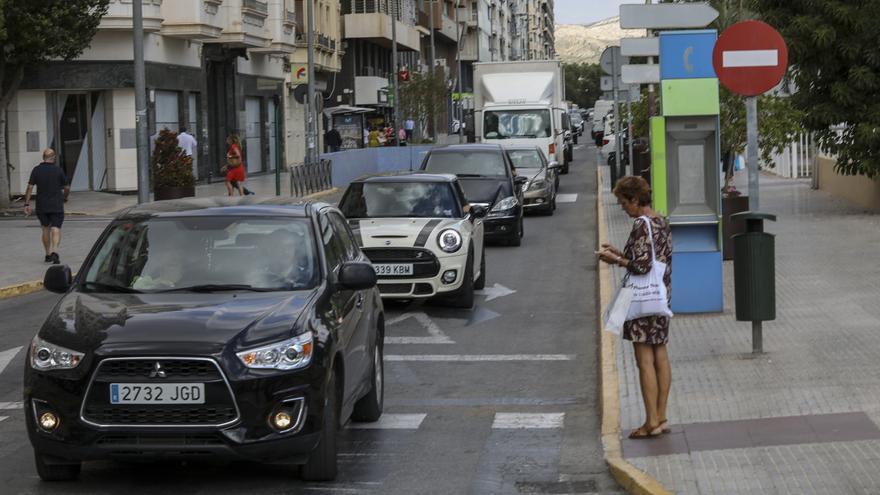 El padrón de vehículos de Elche sube en 2.468 pese a los planes de movilidad