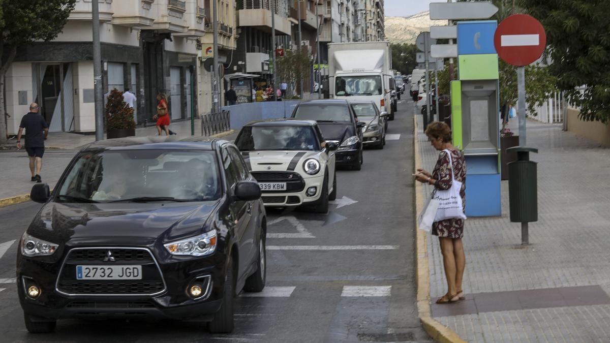 El parque móvil de Elche se ha disparado durante los dos últimos años, superando el número de vehículos previo a la crisis de 2008.