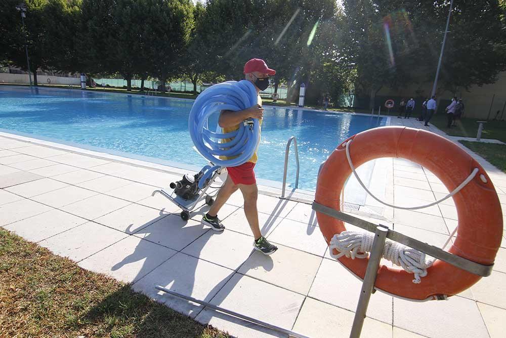 En imágenes la reapertura de la piscina de la Fuensanta