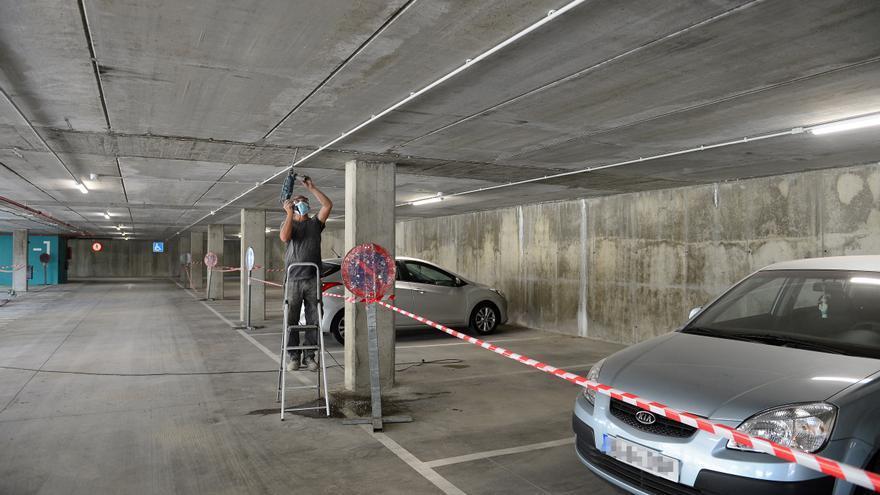 """Cerrada una planta de un parking recién inaugurado en Plasencia para arreglar """"goteras"""""""