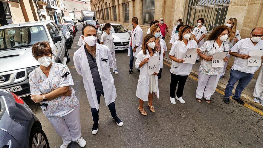 Los médicos del área de Alcoy llevan a Atención Primaria sus movilizaciones