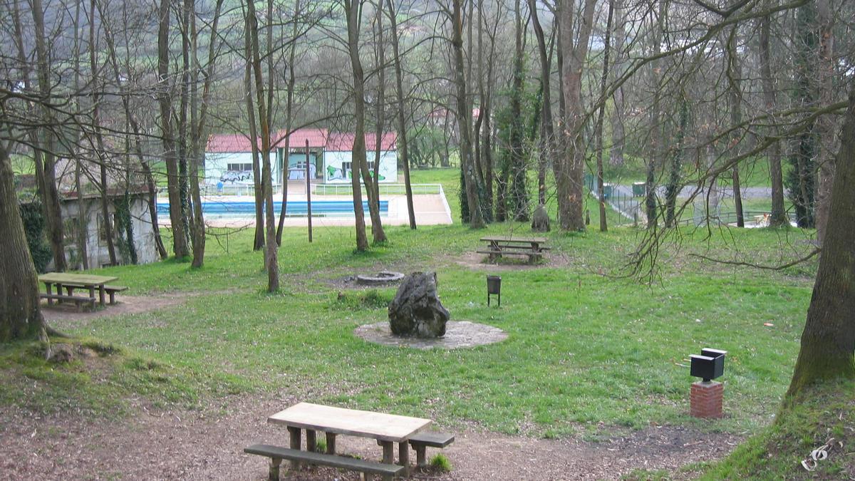 Área recreativa de La Cebera (Lugones).