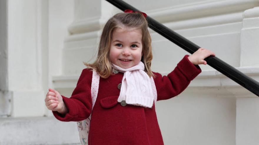 La princesa Charlotte con el abrigo de la firma zamorana