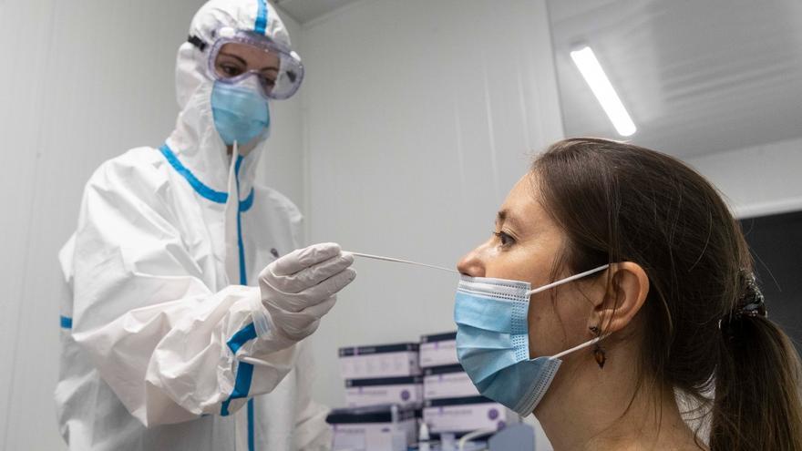 La UMU ofrece PCR a estudiantes y cualquier murciano desde 35 a 60 euros