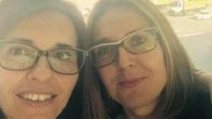 Quatre infermers lloguen un avió privat per fer dues oposicions en un dia