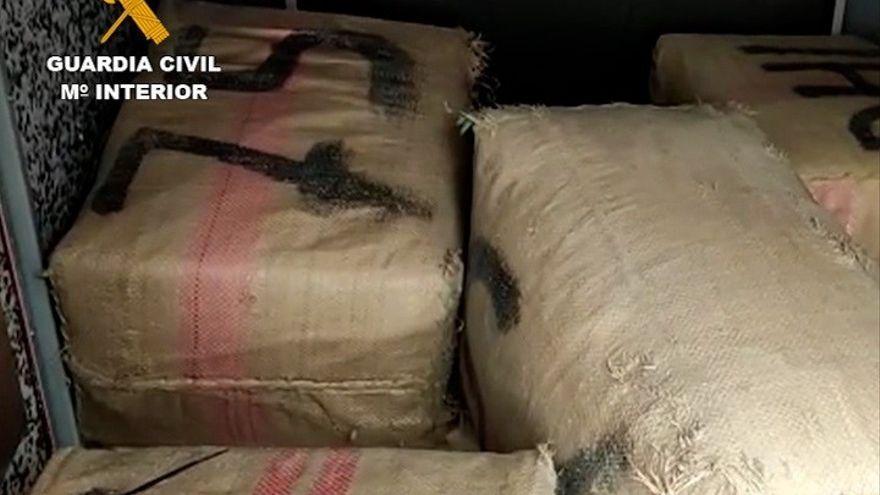 La Guardia Civil desmantela a una organización criminal holandesa que transportaba droga desde España a Europa