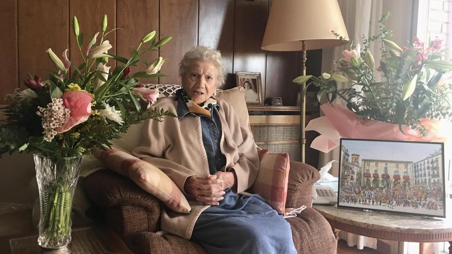 L'exprofessora de la Renaixença de Manresa Mercedes Oronoz Pascual compleix 100 anys