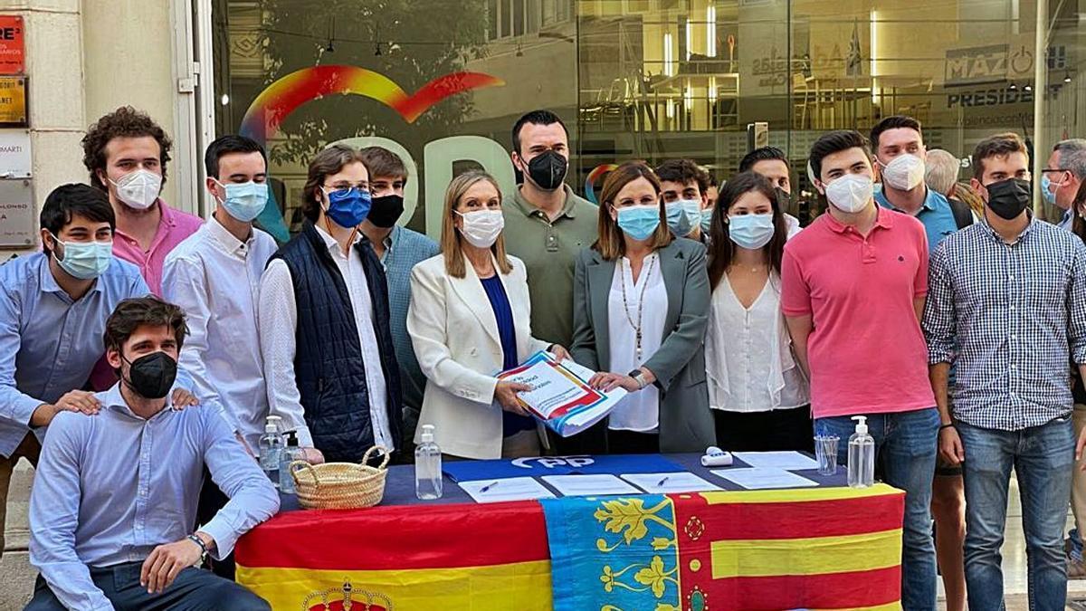 Génova refuerza al nuevo PPCV con un acto con Ana Pastor | LEVANTE-EMV