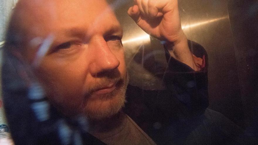 Los médicos creen que Assange podría morir en prisión si no recibe atención