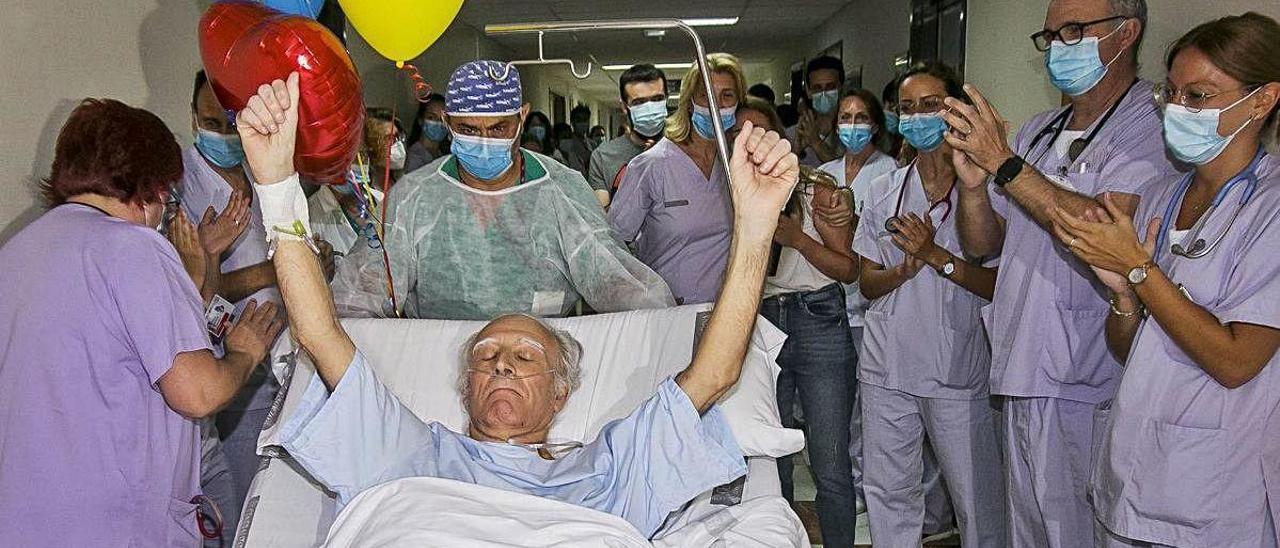 Un despertar «difícil» tras 101 días ingresado en la UCI por el coronavirus