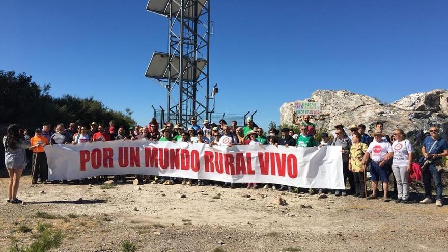 Suspendida la subida reivindicativa a Peña Mira