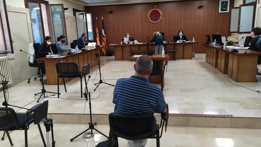 La fiscal insiste en que el profesor abusó de ocho alumnas y pide 20 años de cárcel