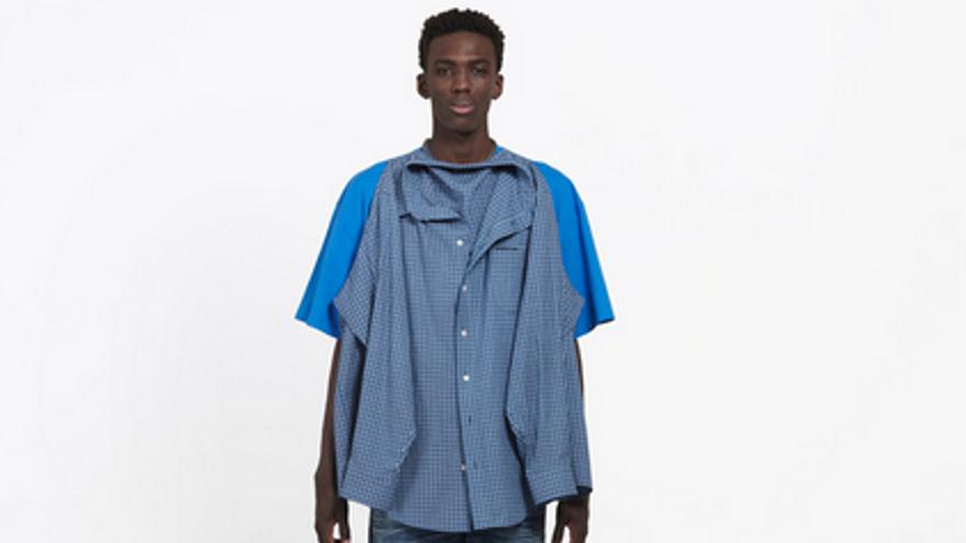 Balenciaga siembra la polémica con su nueva 'camisa-camiseta'