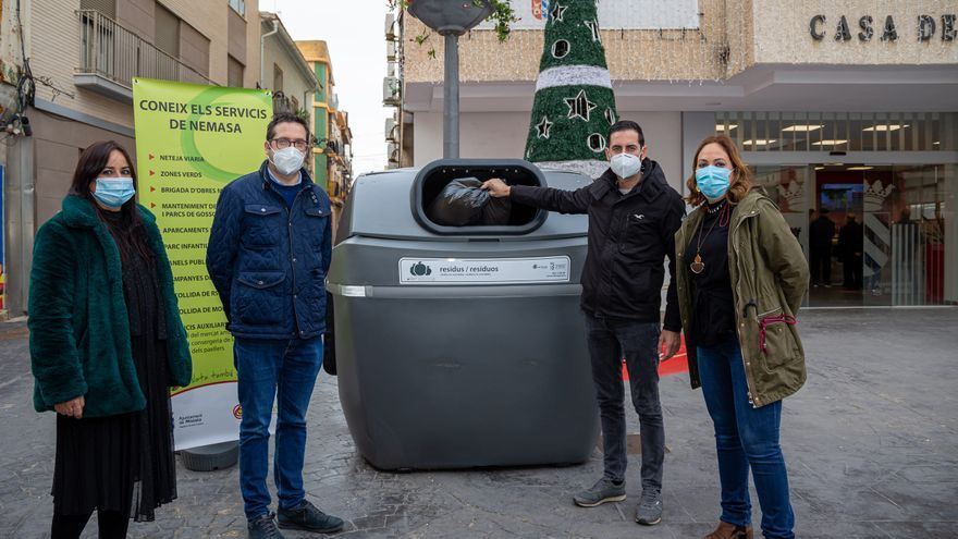 """Mislata readapta sus contenedores con tapas """"sin contacto"""""""